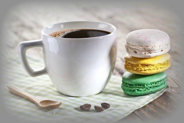 tasse et macarons1