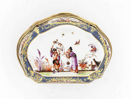 A_Meissen_silver_gilt_mounted_underglaze_blue_ground_snuff_box__circa_17403