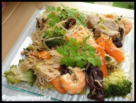 nouilles chinoises porc crevettes et légumes_2