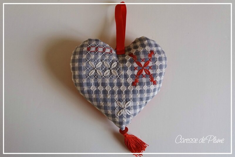 Coeur broderie suisse offert à Nadia