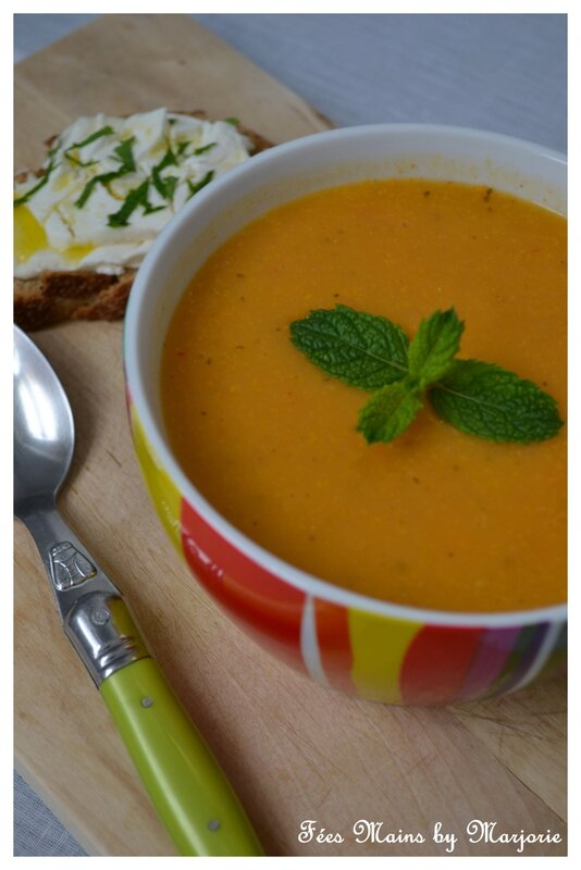 Soupe courgette, tomates, menthe