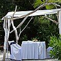 Kiosque romantique de mariage