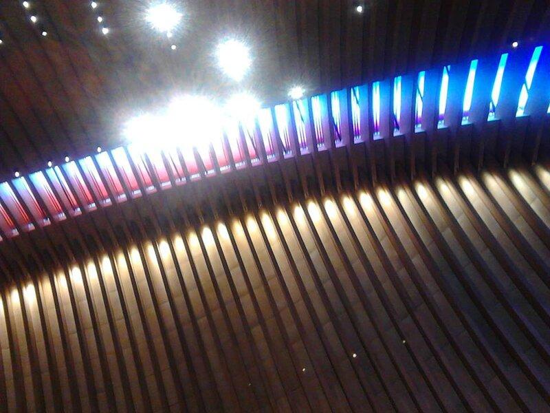 L'arc de lumière de la cathédrale de Créteil