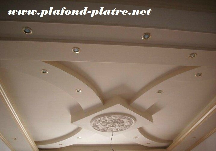 Plafond platre deco for Fond plafond salon