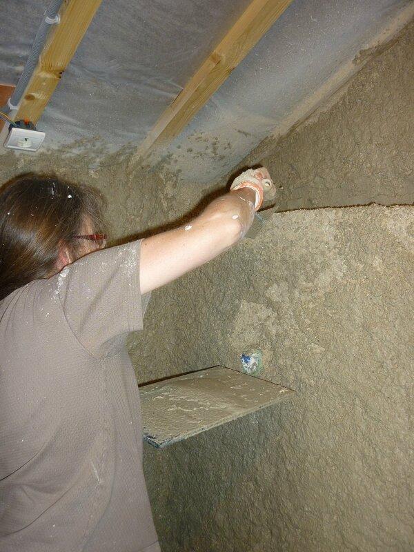 Renover une maison - longère - enduits chaux chanvre - mur en pierre - gobetis - enduit de corps - enduits de finition14
