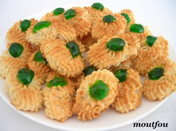 Image result for PHOTOS GATEAU PETITS FOURS