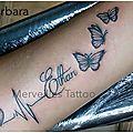 Tatouage prénom ethan, papillon et electrocardiogramme réalisé par barbara