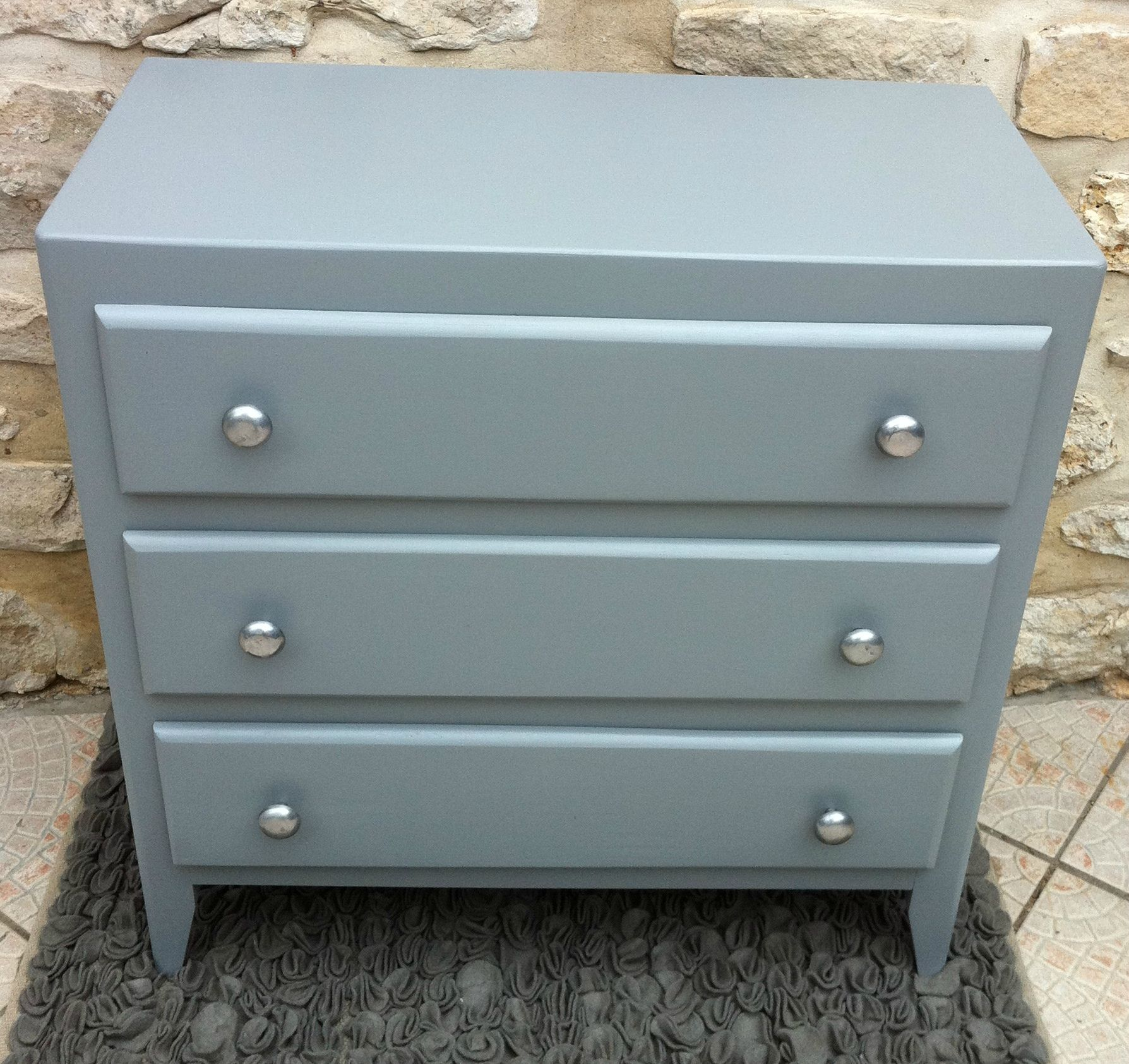 Ancienne commode 3 tiroirs revisitee en gris f b meuble for Meuble repeint en gris