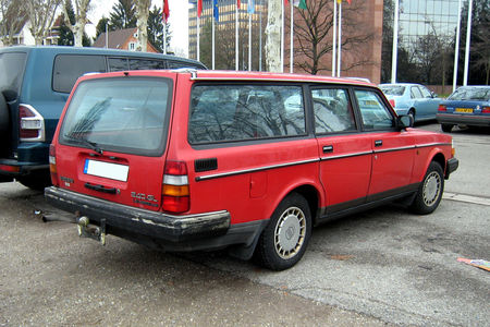 Volvo_240_GL_02