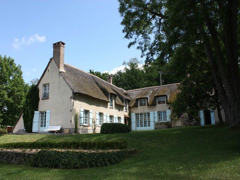 Maison-Jean-monnet-Parlement-Europeen-Bazoches-sur-Guyonne-800x600