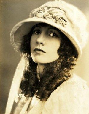 L'une des rares photos de Natalie Talmadge en actrice.