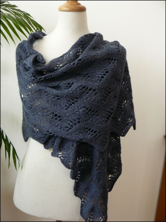 meandering_vines_shawl