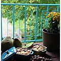 Petits clafoutis aux poires du jardin et noisettes.