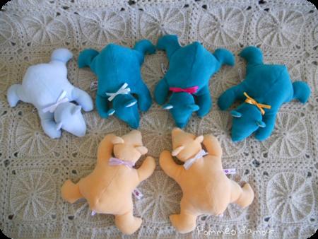 6 oursons ensemble rond