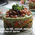 Salade de blé, avocat, mangue, crevettes et surimi