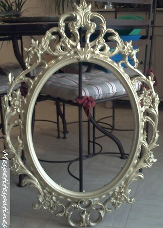 un miroir baroque mes petites patines. Black Bedroom Furniture Sets. Home Design Ideas