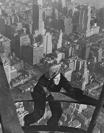 Lewis_Hine___Worker_on_the_Empire_State_Building