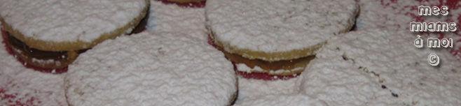 Biscuits fourrés au citron et à l'abricot