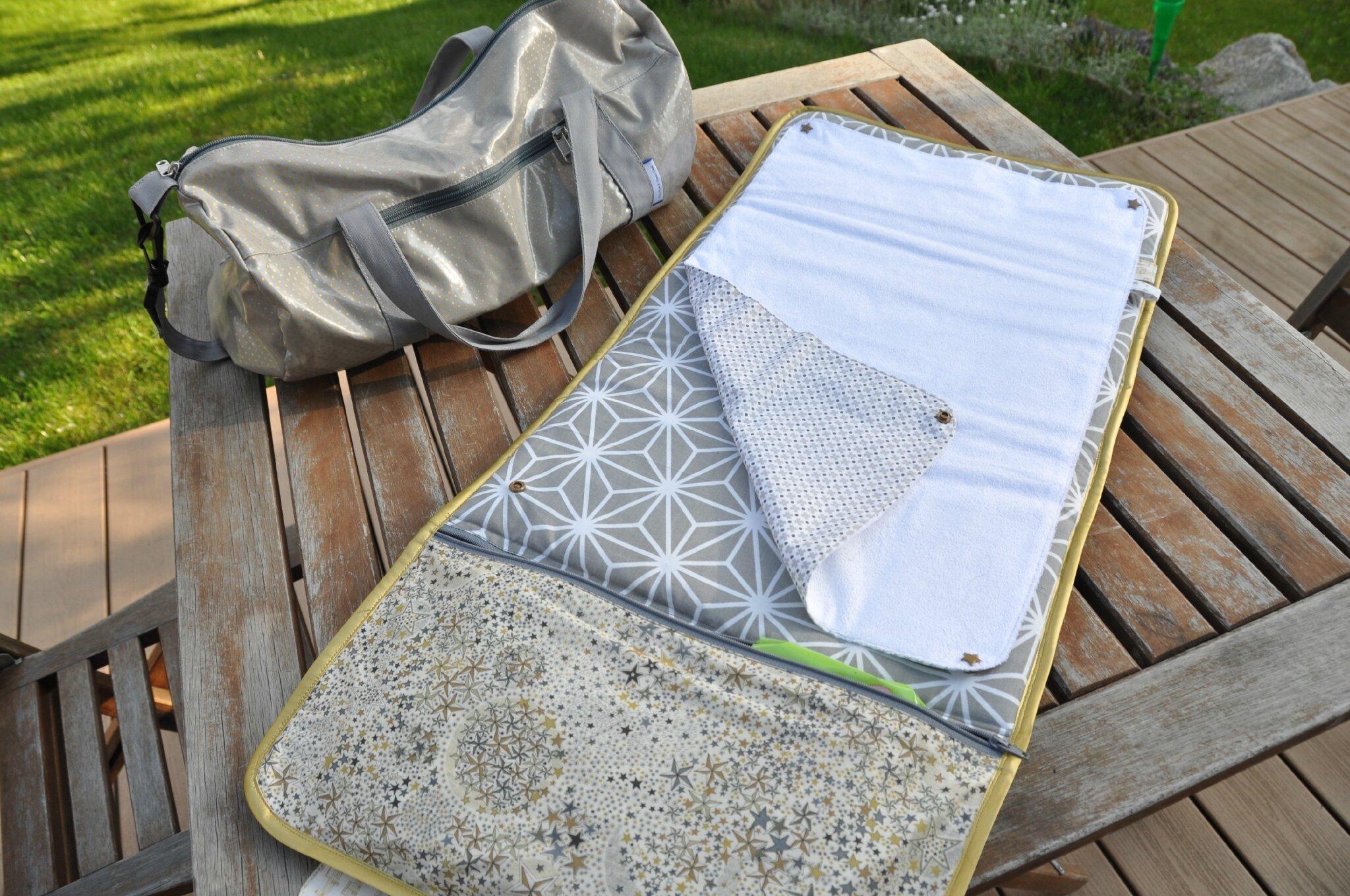 petites coutures pour b b 1 le matelas langer nomade de l 39 accessoire l 39 essentiel. Black Bedroom Furniture Sets. Home Design Ideas