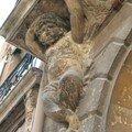 0594 - Sculpture d'une porte Aix 16 juib