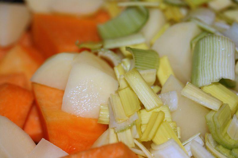 Un tour en cuisine soupe au potiron et la muscade chez requia cuisine et confidences - Soupe potiron cocotte minute ...