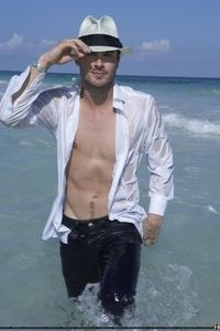Photo_Shoots_and_Modelling_ian_somerhalder_22332475_266_399