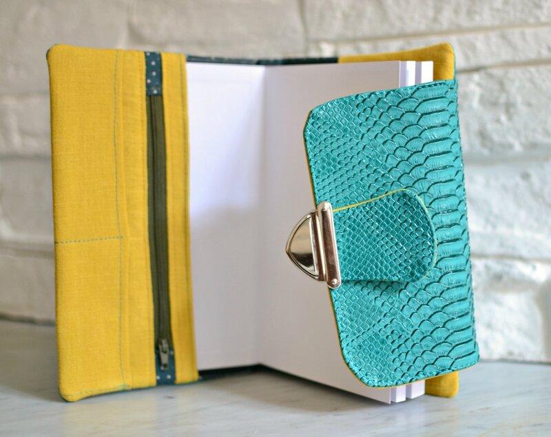 agenda 2017 original avec fermeture cartable et poches shirley ze pap, agenda simili cuir emeraude et moutarde