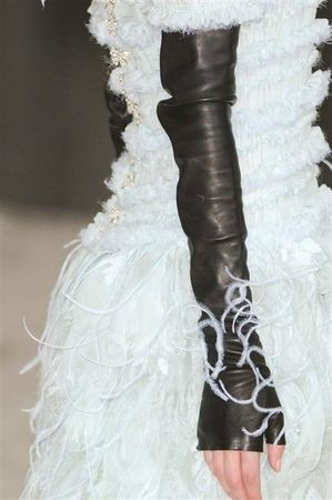 514638_photo-54-details-du-defile-chanel-haute-couture-printemps-ete-2013