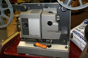 BELL1HOWELL_FILMOSOUND__Medium_