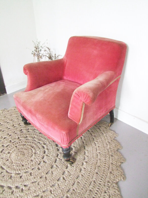 Fauteuil-velours rose