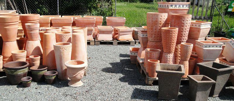 Pots de jardin en terre cuite et ceramique - Bordure de jardin ancienne en terre cuite ...