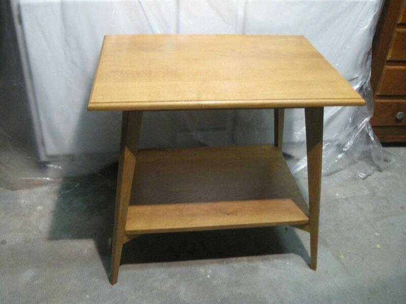 Petite table ann es 50 pieds compas ponc e vernie - Vernis relooking v33 ...