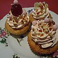 Cupcakes aux noisettes, coeur croustillant de noisette et glaçage fondant aux amandes