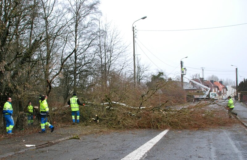 VIGILANCE ROUGE 2017 arbre tombé Debeney