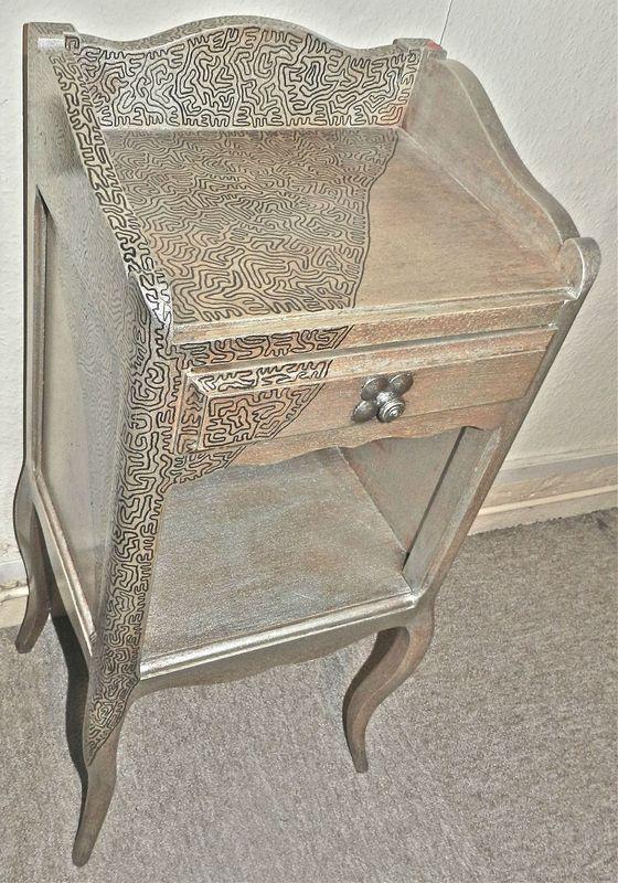 table de chevet effet metal l 39 artiste youyou. Black Bedroom Furniture Sets. Home Design Ideas