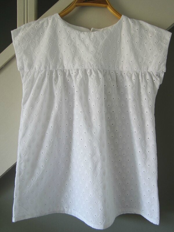 top-daisy-citronille-broderie-anglaise