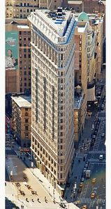 317px-Edificio_Fuller_(Flatiron)_en_2010_desde_el_Empire_State_crop_boxin