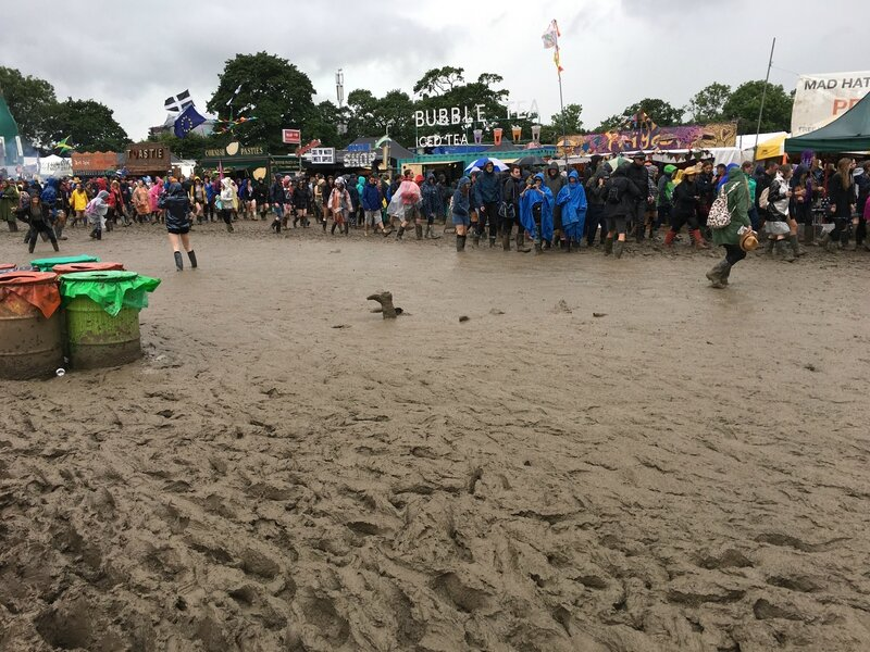 Glastonbury festival 2016 Worthy Farm Pilton Somerset mud boue
