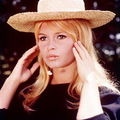 bb-theme-chapeau-1960s-photo-010-1