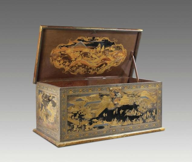Amsterdam 39 s famed rijksmuseum buys historic japanese chest for Le pere du meuble furniture