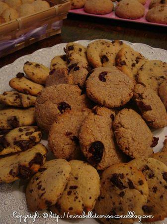 cookies cranberries choco