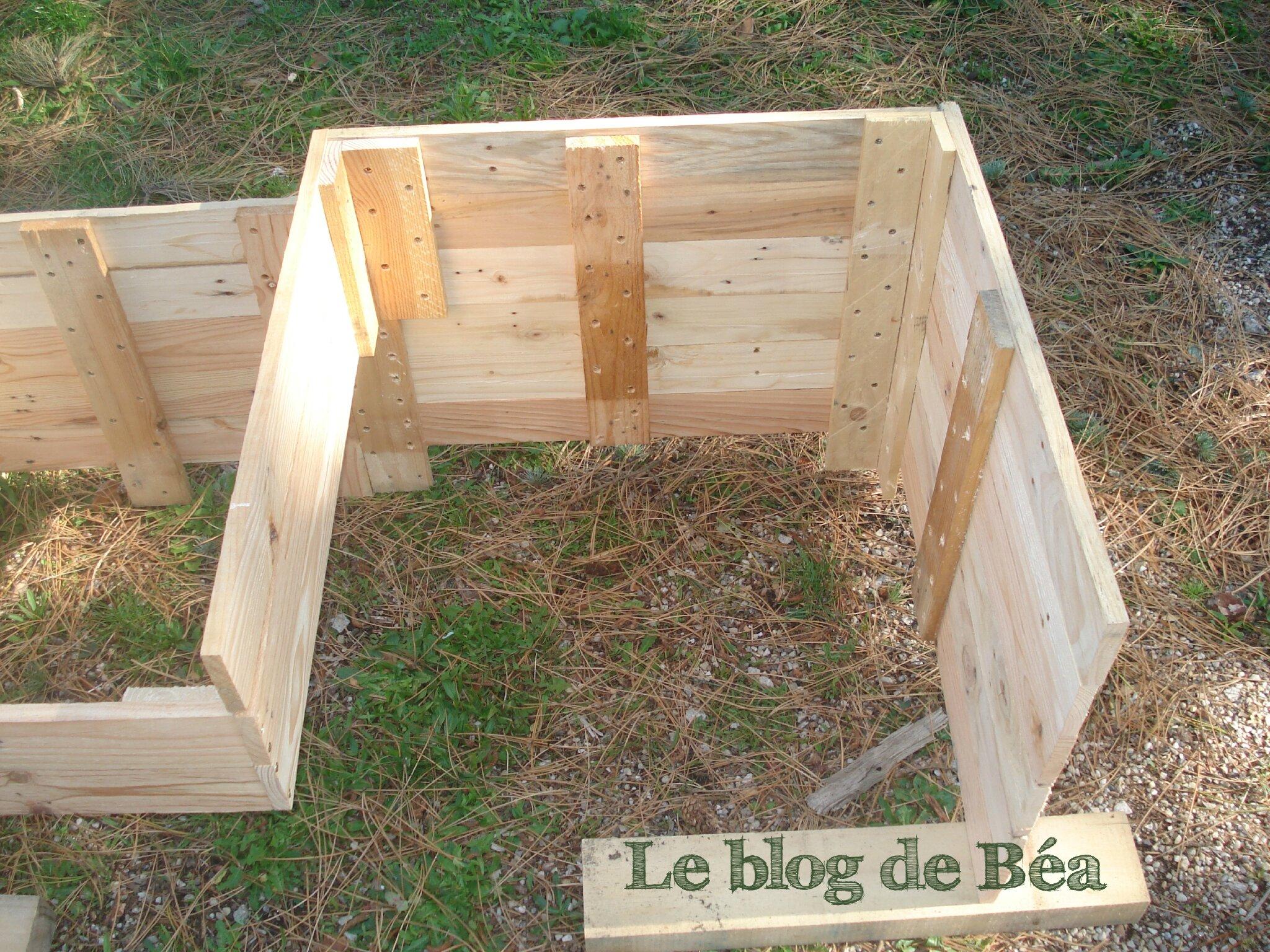 Diy carr potager en bois de palette le blog de b a for Carre potager en hauteur pas cher