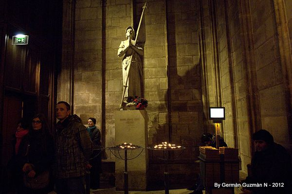 Notre Dame 850 053