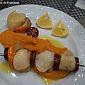 Brochettes de coquilles saint jacques sur purée de patate douce