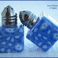 Poivre et sel fleurs bleues