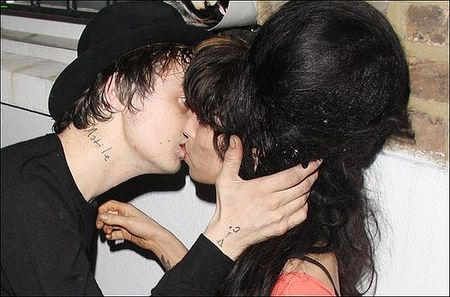 my_winehouse_vs_pete_doherty_002
