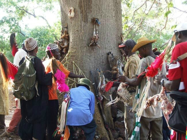 MAGIE VAUDOU DU GRAND MAITRE MEDIUM MARABOUT AFRIAIN ASSOU POUR LE BONHEUR ET LA RÉUSSITE