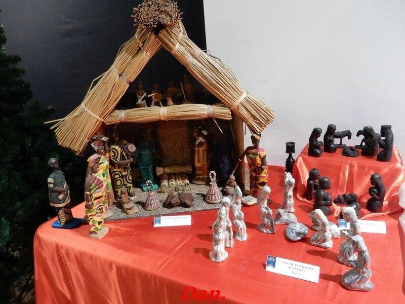crèche en tissu et bois Benin (1)