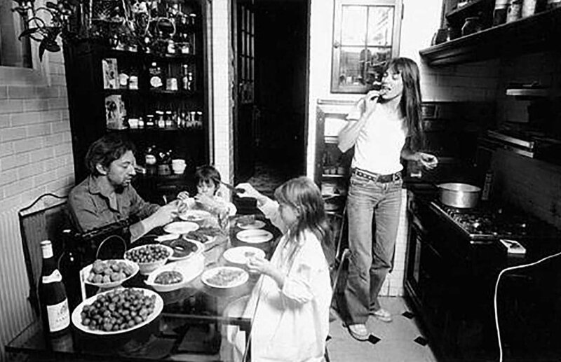 Serge-and-Jane-Birkin-Family-Dinner-http-__www_brain-magazine_fr_article_page-pute_19052-Top-Chefs