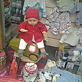 Gilet papillon, bonnet fraise et chaussons fraise